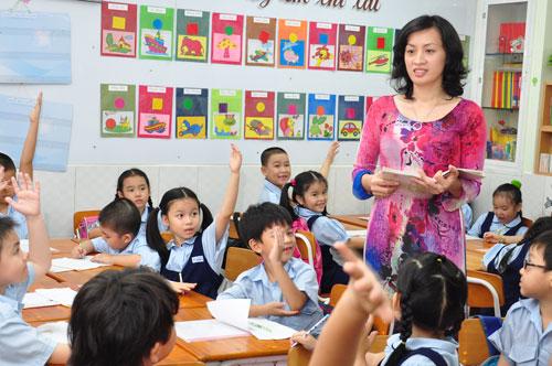 Áp dụng bảng xếp lương mới cho giáo viên tiểu học công lập.