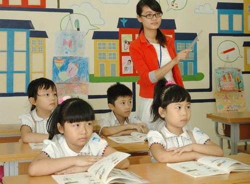 Giáo dục tiểu học: việc học thêm bao giờ mới kết thúc?